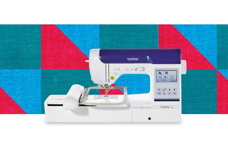 Швейно-вышивальная машина Innov-is-F480 на фоне с узором