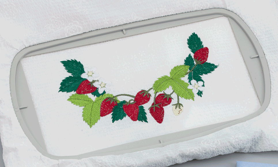 EF71 Large Embroidery frame 17 x 10cm 2