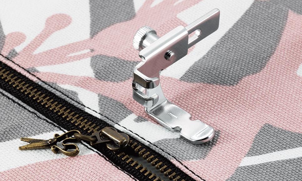 Adjustable Zipper & Piping Foot F036N