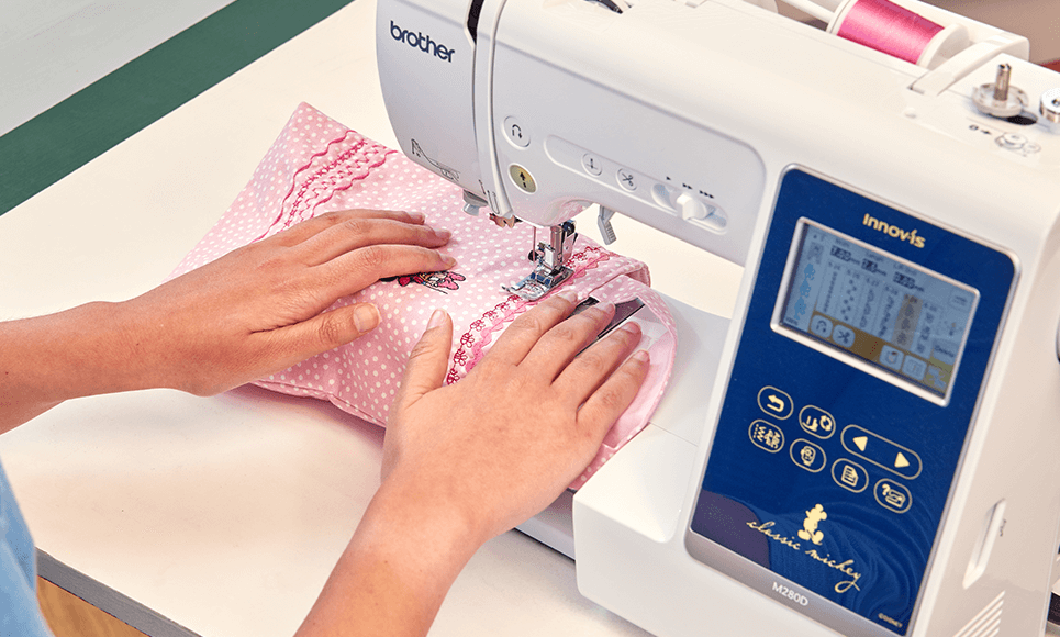 Innov-is M280D sewing and embroidery machine 8