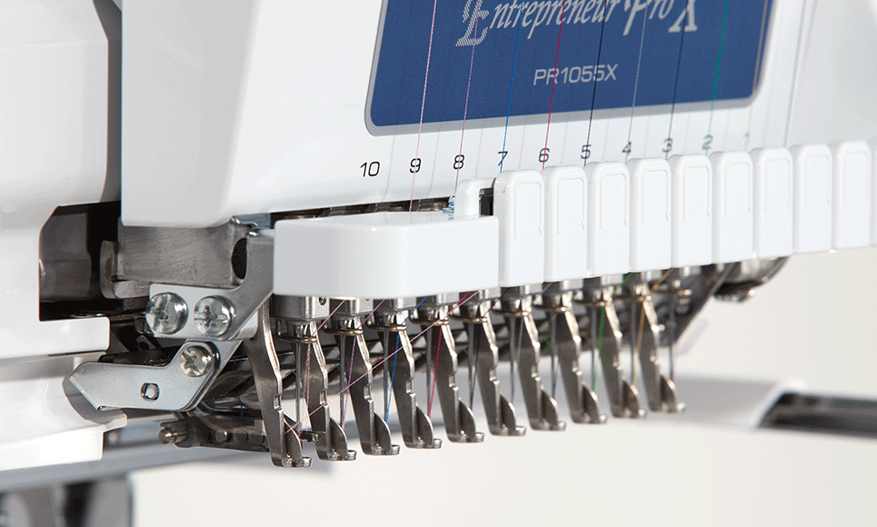 PR1055X Machine à broder 3