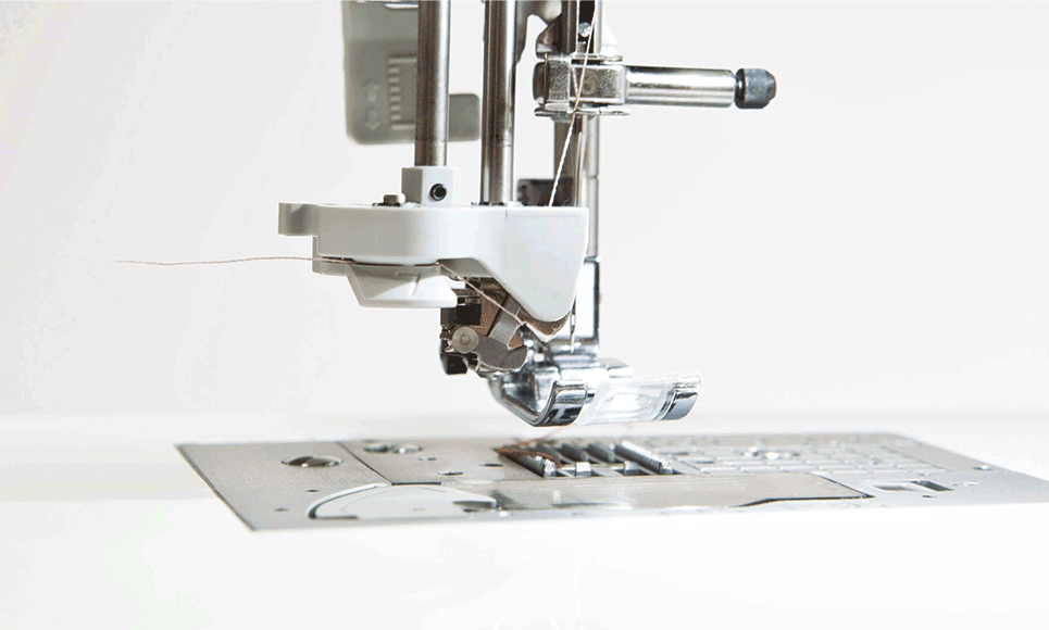Innov-is F420 sewing machine 4