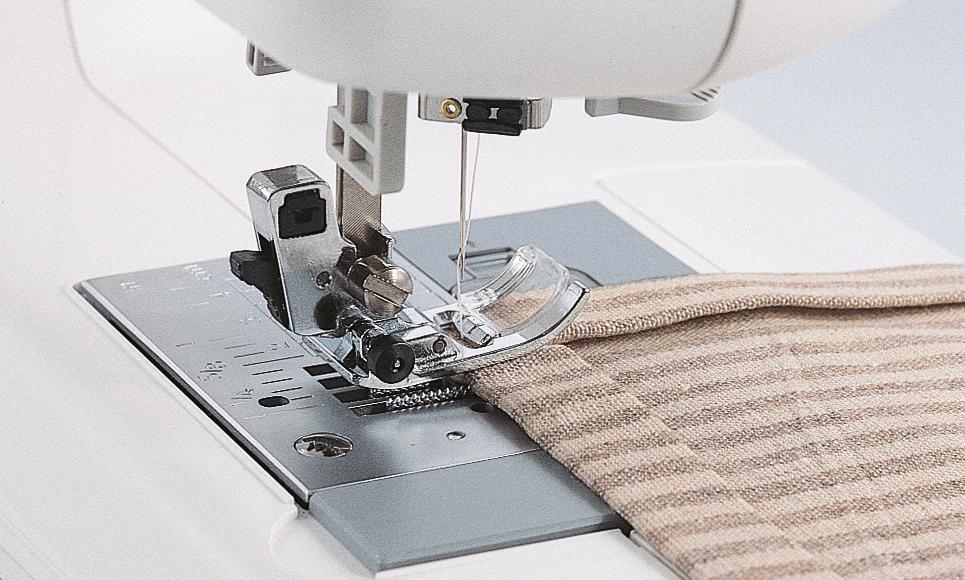 JS100 компьютеризованная швейная машина  5