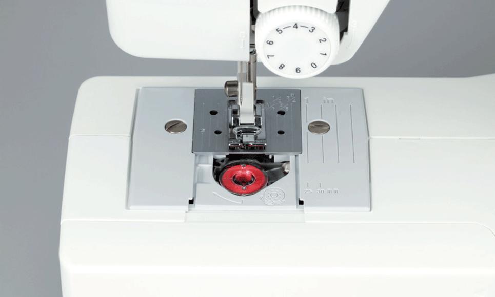 R214 электромеханическая швейная машина  3