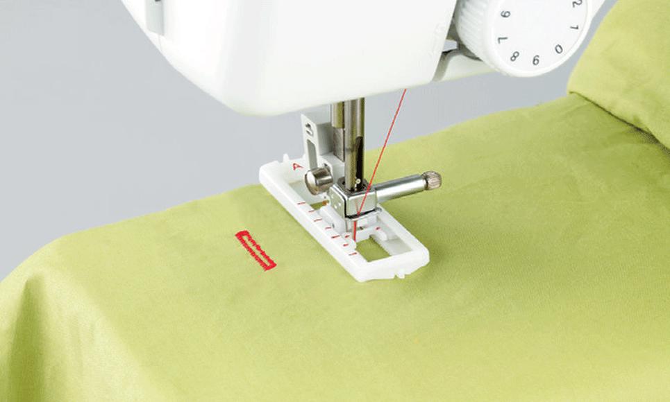 R214 электромеханическая швейная машина  4